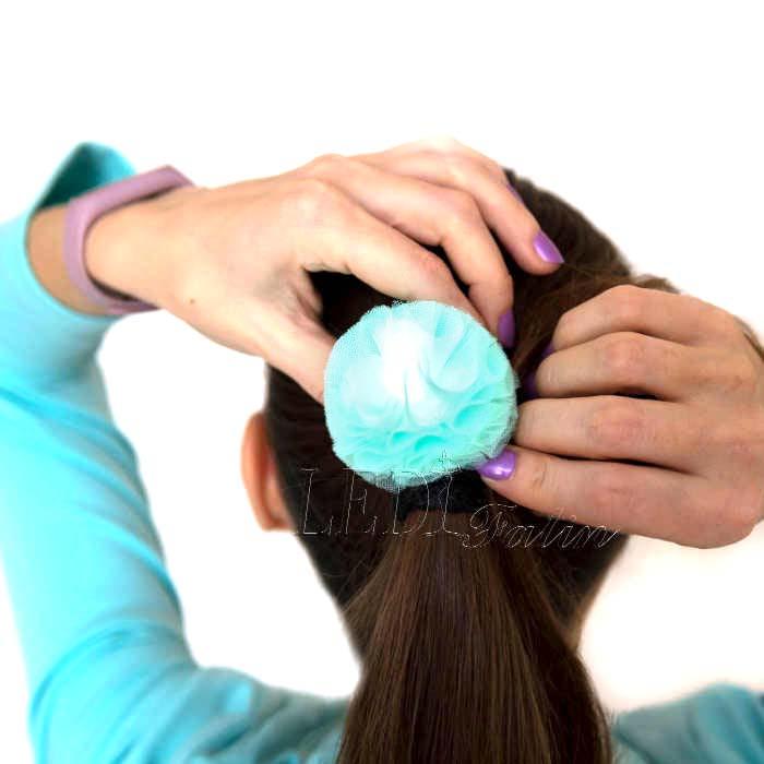 """Резинка для волос """"Цветок мятный шарик"""""""