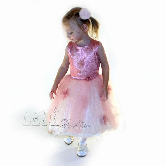 Розовое детское платье без подсветки