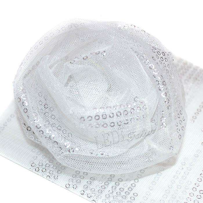 Носочки белые с блестящими кружочками