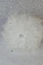 """Белый ободок для волос с цветами """"Перламутровый лотус"""""""